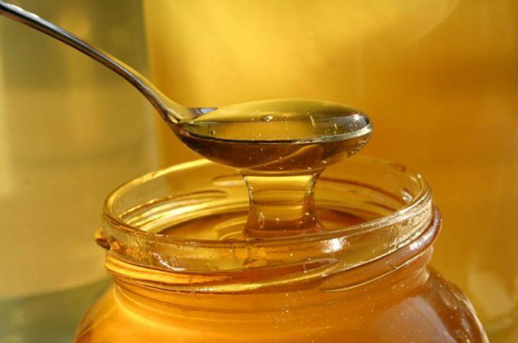 Можно ли разогреть мед в микроволновке